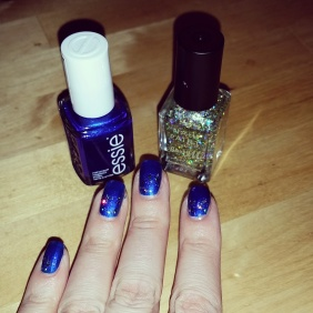 Navy Nails vs Gold Cuticles using Essie Aruba Blue + BarryM Yellow Topaz Glitter